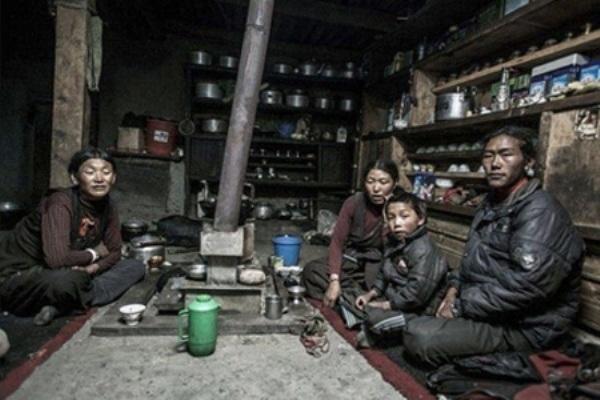 Chia sẻ vợ tại Nepal