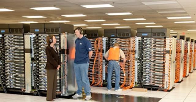 Bên trong hầm chứa siêu máy tính Sequoia