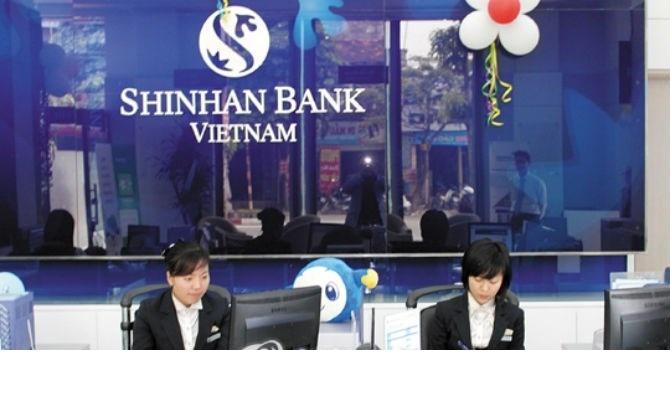Shinhan là một tập đoàn tài chính tiên phong về việc nắm giữ tài chính tại Hàn Quốc