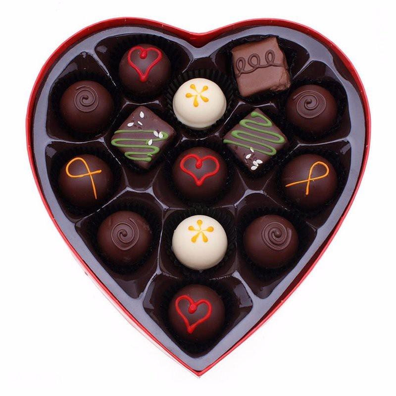 Hộp quà chocolate trái tim tình yêu