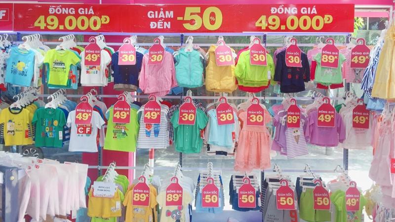 Quần áo dành cho bé tại shop Con Cưng