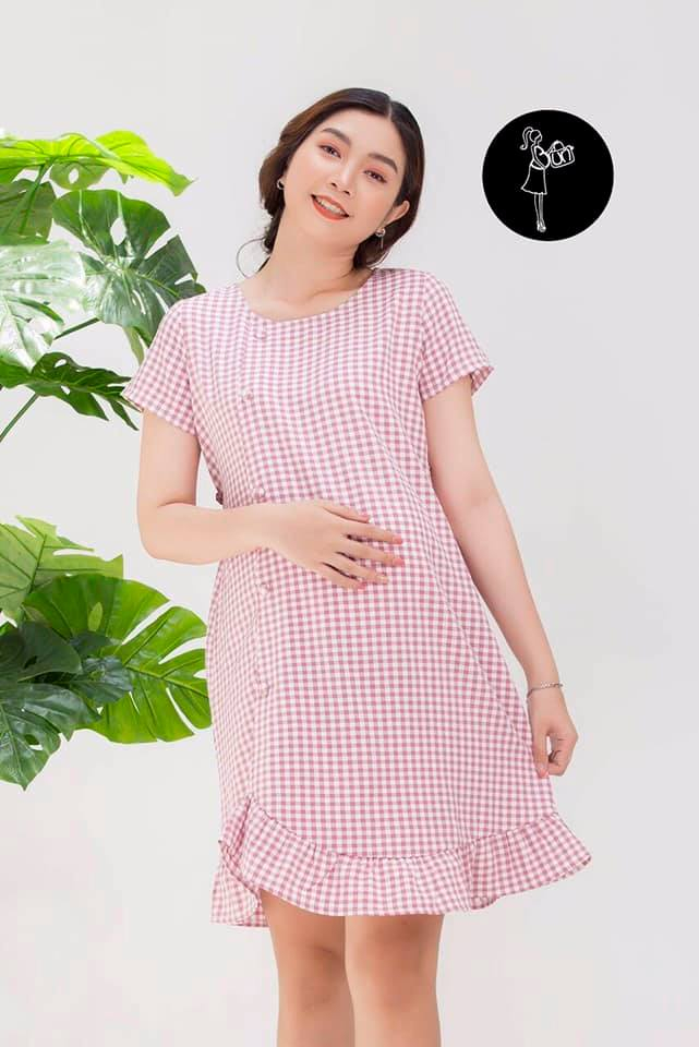 Mẹ bầu vẫn rất xinh đẹp với đầm của shop