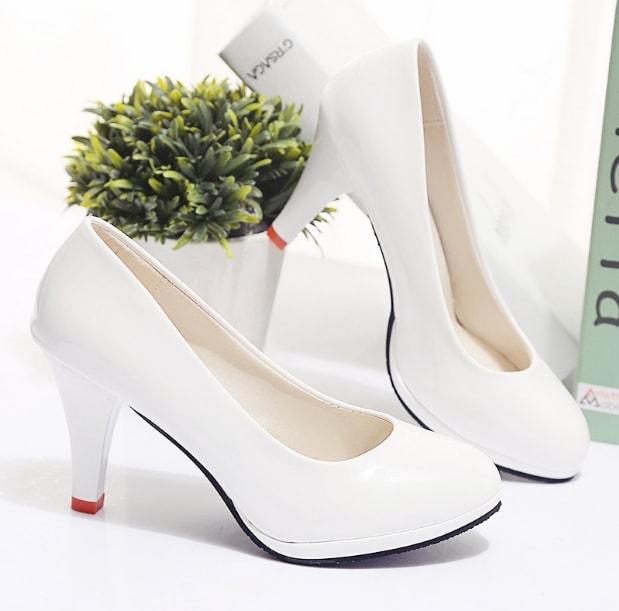 Shop giày cao gót 26 ngõ 165 Thái Hà