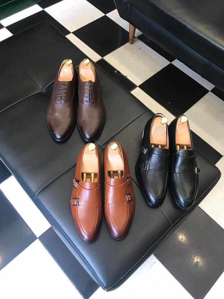 Toroshoes chuyên cung cấp những mẫu giày mang phong cách lịch lãm, trẻ trung, năng động nên được rất nhiều lứa tuổi ưa thích