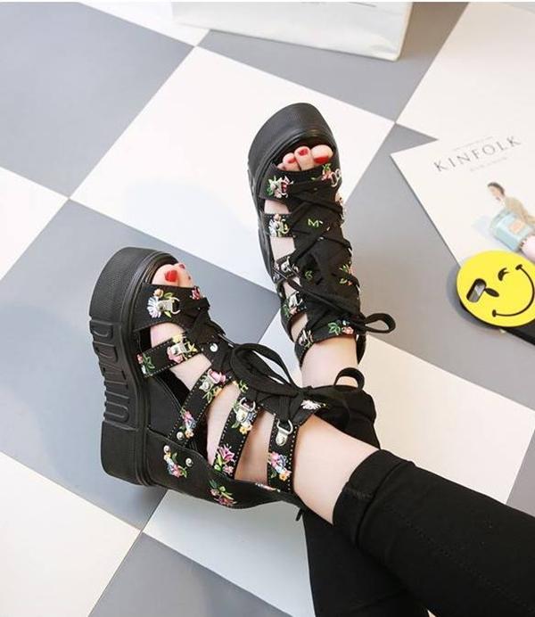 Shop giày chất lượng đáng tham khảo trên shopee