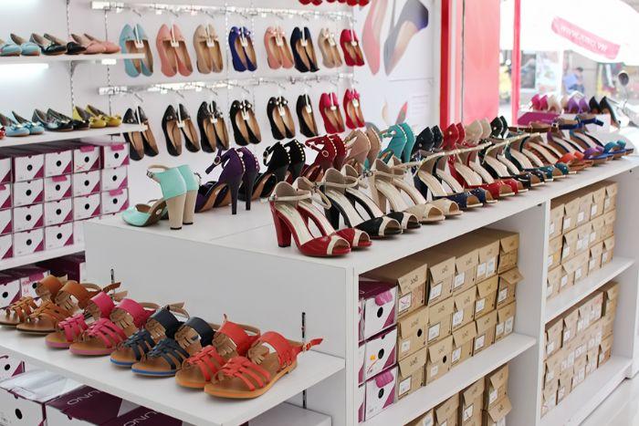 Shop giày dép nữ Lạ Sneakers