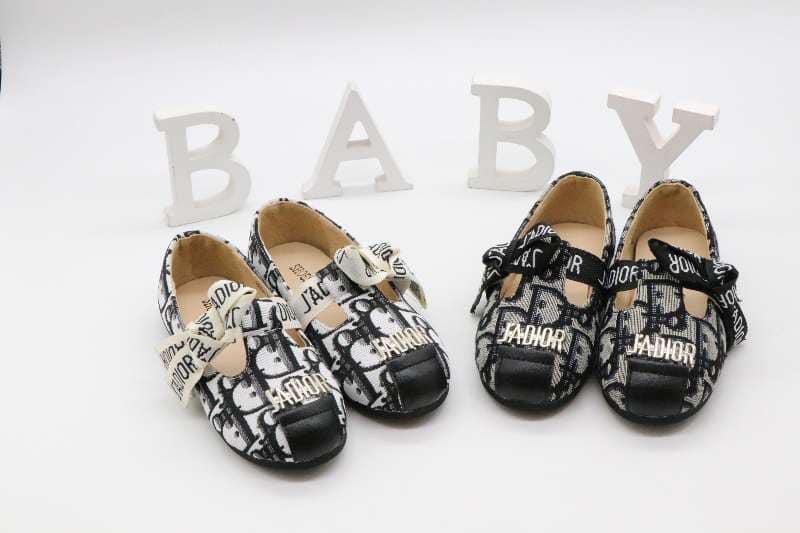 Top 4 Shop giày dép trẻ em đẹp và chất lượng nhất Thái Bình