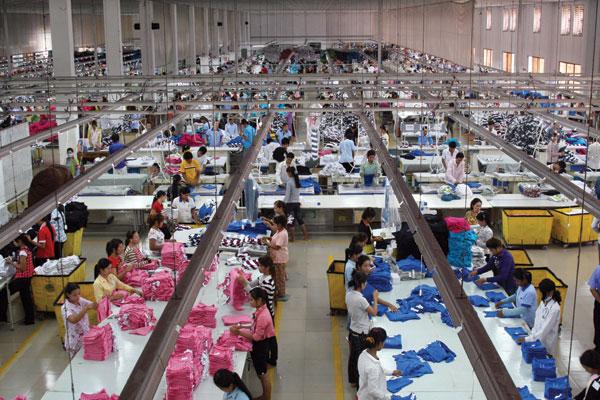 Xưởng có sô lượng nhân công đông đảo