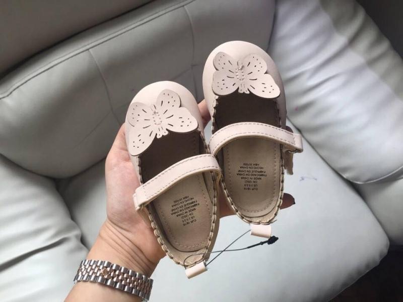 Giày dép bé gái.