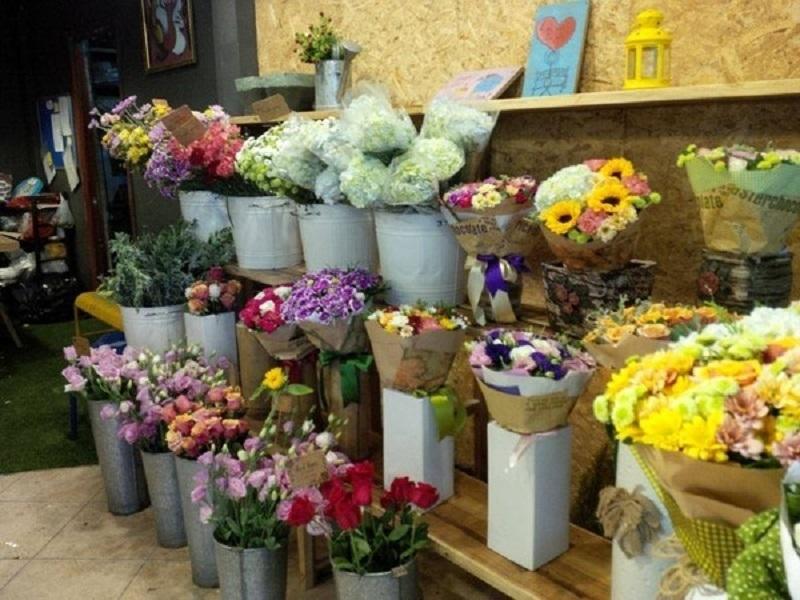 Shop hoa Huyền Vân với phong cách đơn giản mà hiện đại