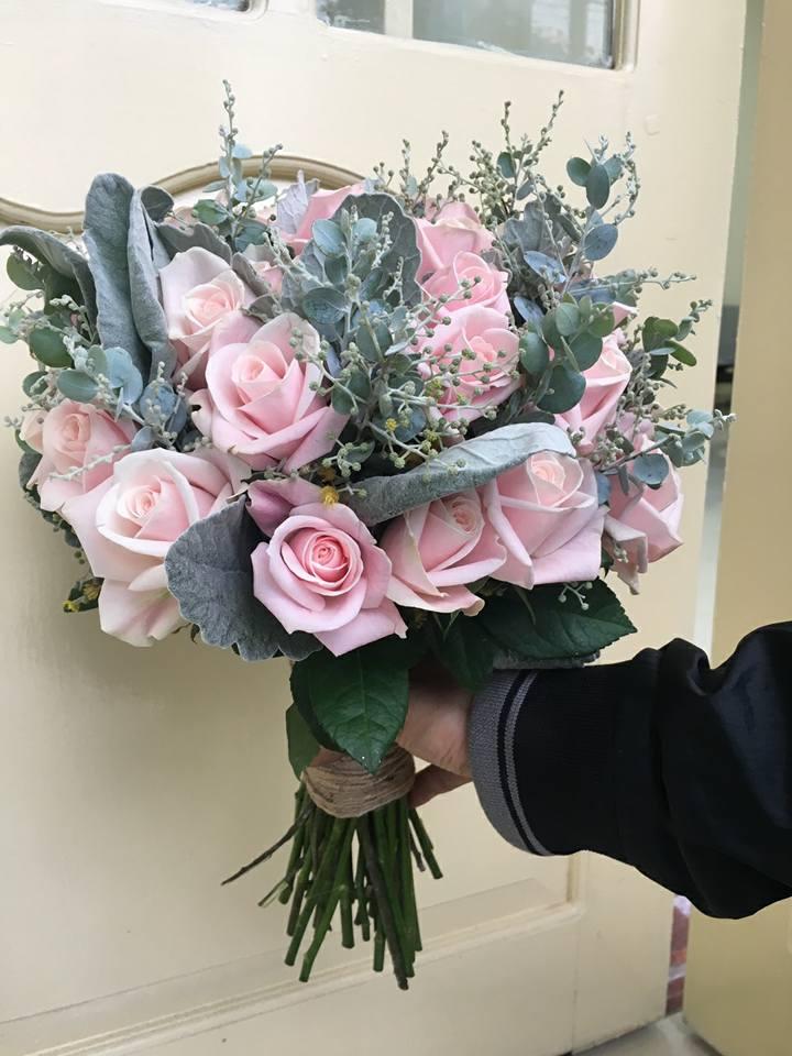 Những bông hoa ở shop Bách Hợp đều được lựa chọn rất kỹ càng, tỉ mỉ