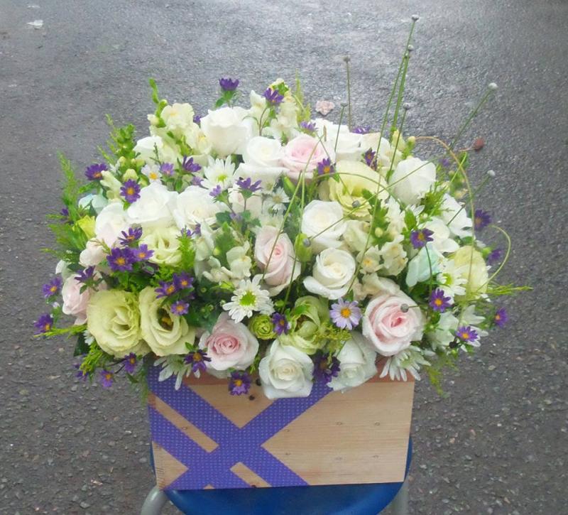 Shop hoa tươi Lâm Đồng luôn cố gắng đem đến cho khách hàng những bông hoa chất lượng nhất, ưng ý nhất với những thiết kế độc đáo sáng tạo