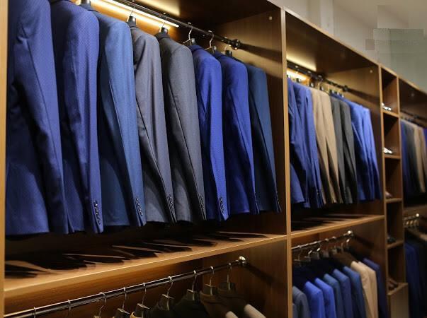 Shop thiên về quần áo công sở: áo sơ mi, quần âu hay đồ vest