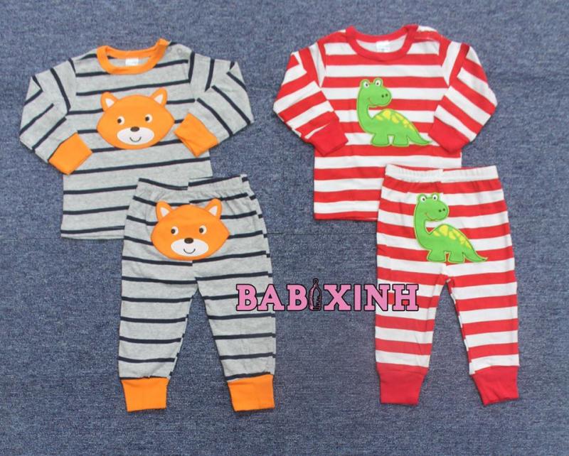 Shop có rất nhiều các bộ quần áo các loại, không chỉ phục vụ bé sơ sinh, mà thậm chí các bé 7-8 tuổi vẫn có thể có quần áo ở shop.