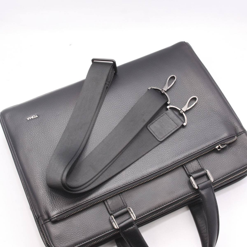 Túi đựng ipad của nhãn hiệu TOMA