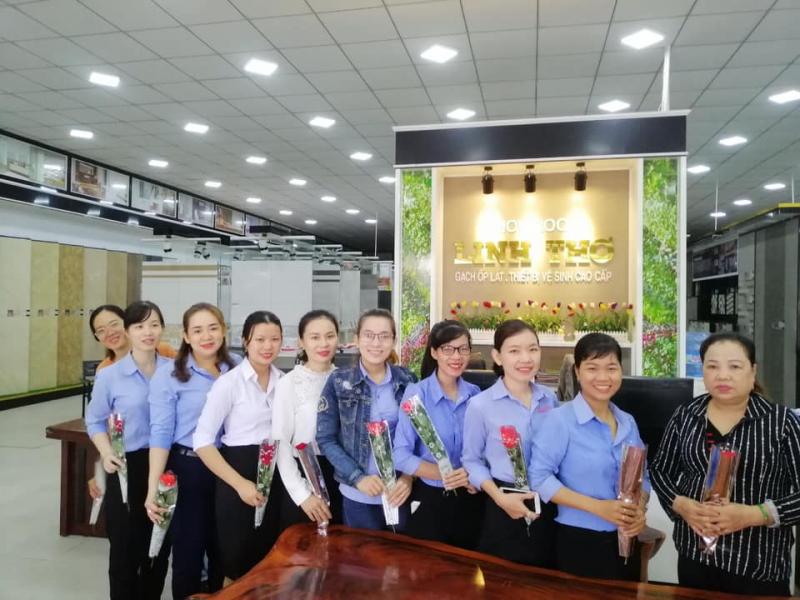 Showroom Gạch Ốp Lát Cao Cấp Linh Thơ