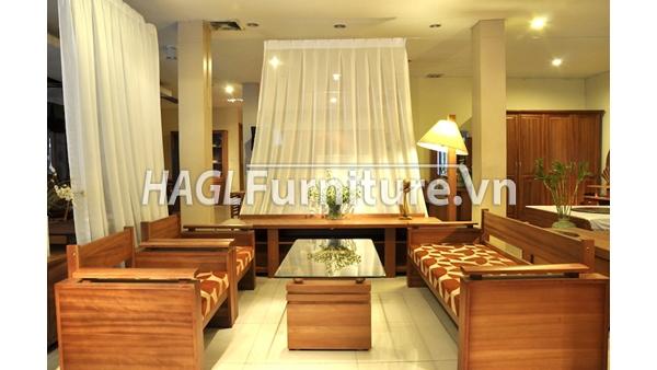 Hoàng Anh Gia Lai nổi tiếng với các sản phẩm nội thất làm từ gỗ.
