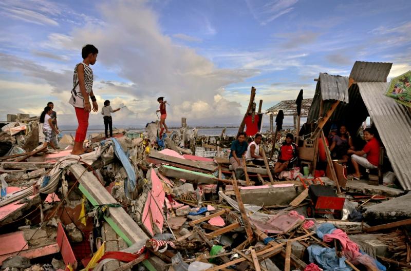 Những gì cơn bão để lại sau khi càn quét Philippine.
