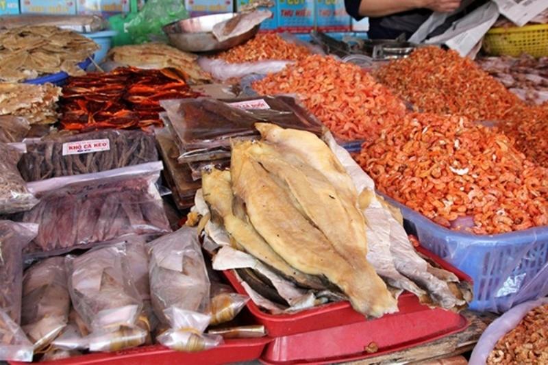 Những mặt hàng đặc sản mang đậm hương vị miền Trung.