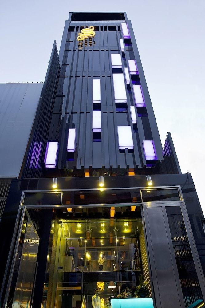 Khách sạn Signature Boutique Hotel
