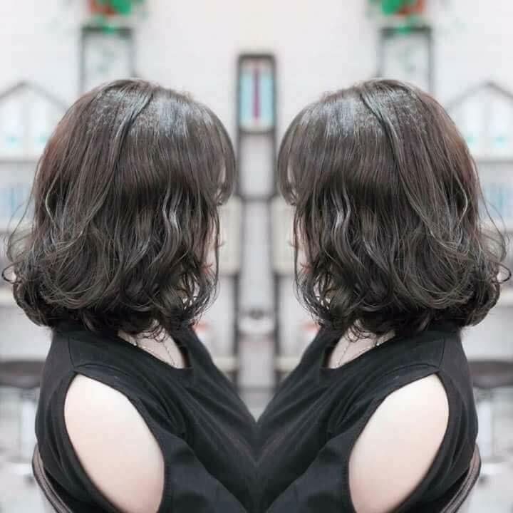 Mẫu tóc xoăn ngắn được nhiều bạn trẻ ưa chọn để đổi phong cách