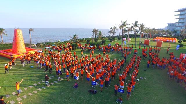 Sinh viên Đại học Luật Hà Nội tham gia hoạt động trải nghiệm