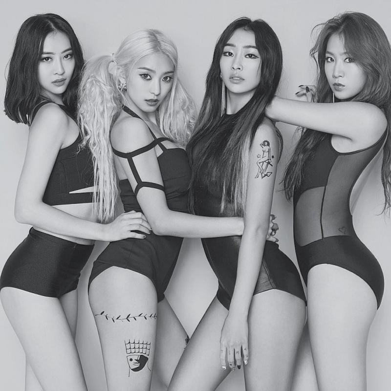 Vẻ đẹp sexy lôi cuốn khó cưỡng của 4 cô nàng Sistar.