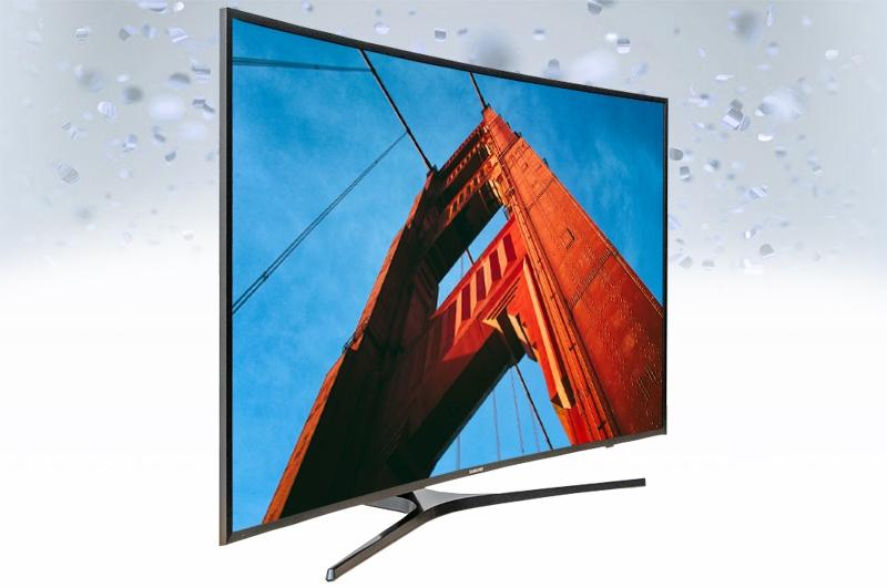 UA43KU6500 sở hữu thiết kế vô cùng nổi bật với màn hình cong, chân đế gia công bằng kim loại rất tinh xảo