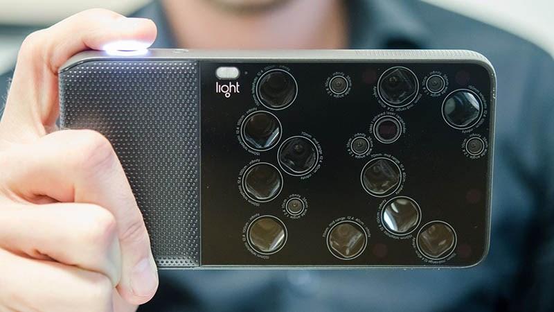 Smartphone càng ngày càng nhiều camera