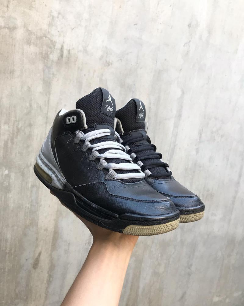 Sneaker Plus