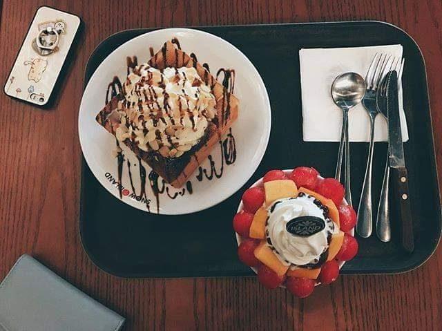Tới Snow Island Coffee Bac Ninh, bạn sẽ như lạc vào thiên đường kem với vô vàn thực đơn hấp dẫn, ngon mắt.