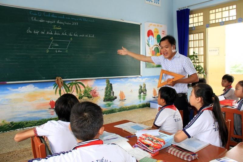 Sợ làm giáo viên chủ nhiệm - Nỗi sợ lớn nhất của giáo viên tiểu học