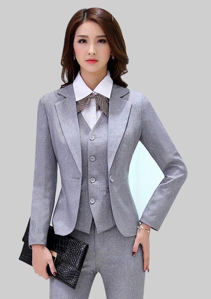 Sơ mi kết hợp cùng áo vest vừa đẹp vừa thanh lịch