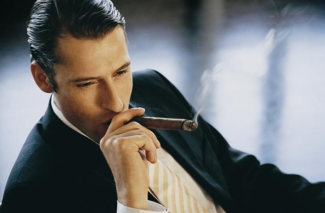 Một người đàn ông suốt ngày chỉ biết nhìn vào thành công của người khác để soi mói và so sánh thì chắc chắn đó chính là một người đàn ông thất bại.