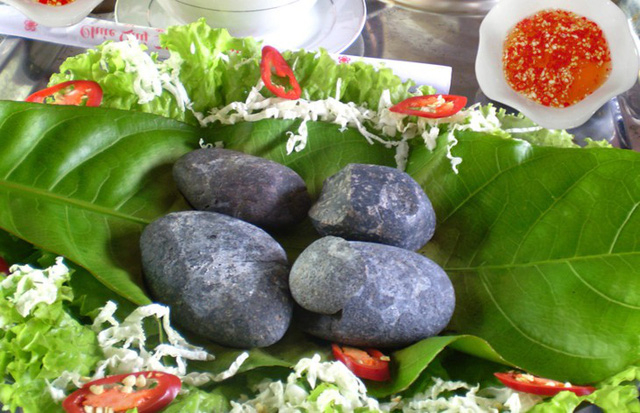Each meal consists of 3-4 very hot pebbles, used to cook wild boar meat.