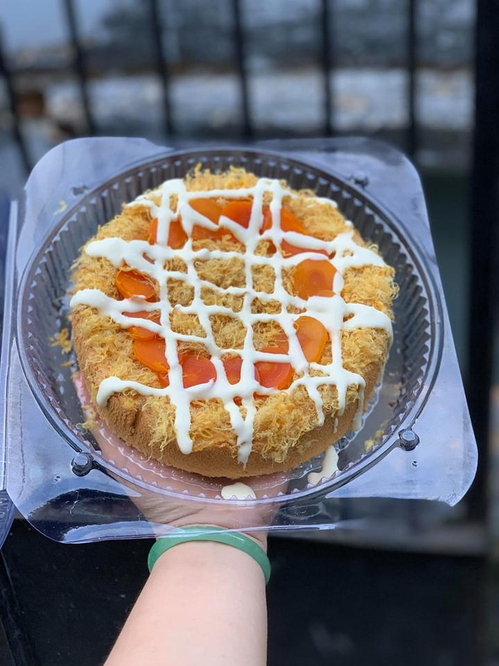 Bánh bông lan trứng muối tại Sơn Châu Bakery