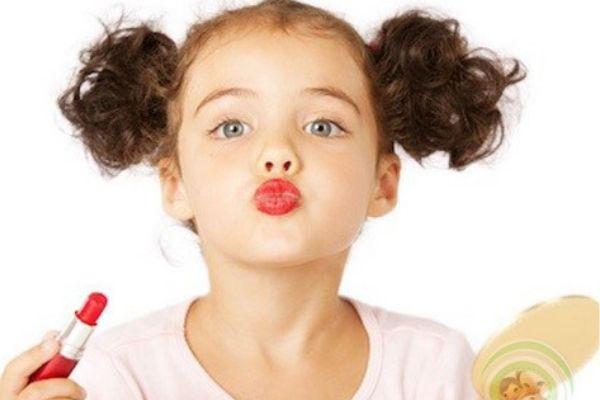 Top 7 son dưỡng môi cho bé tốt nhất các mẹ nên biết