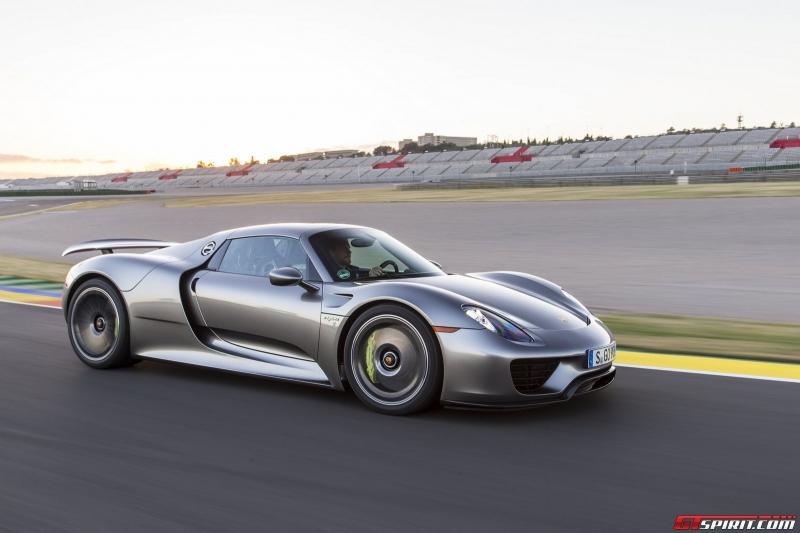 Sơn ngoại thất màu Liquid Metal Silver cho xe Porsche: 63.000 USD
