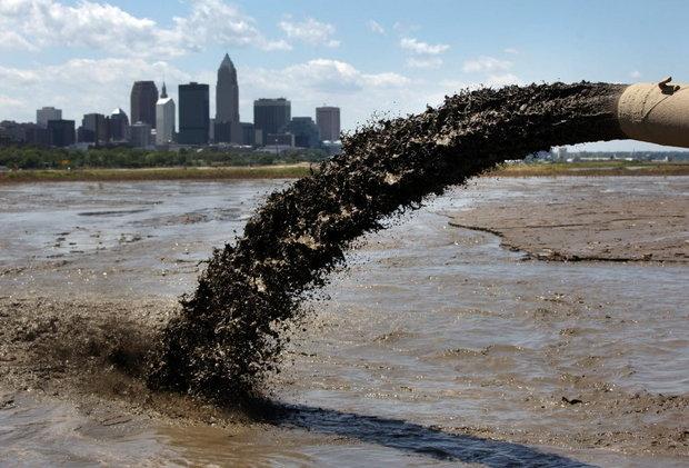 Sông Cuyahoga ô nhiễm tới mức có thể tự cháy