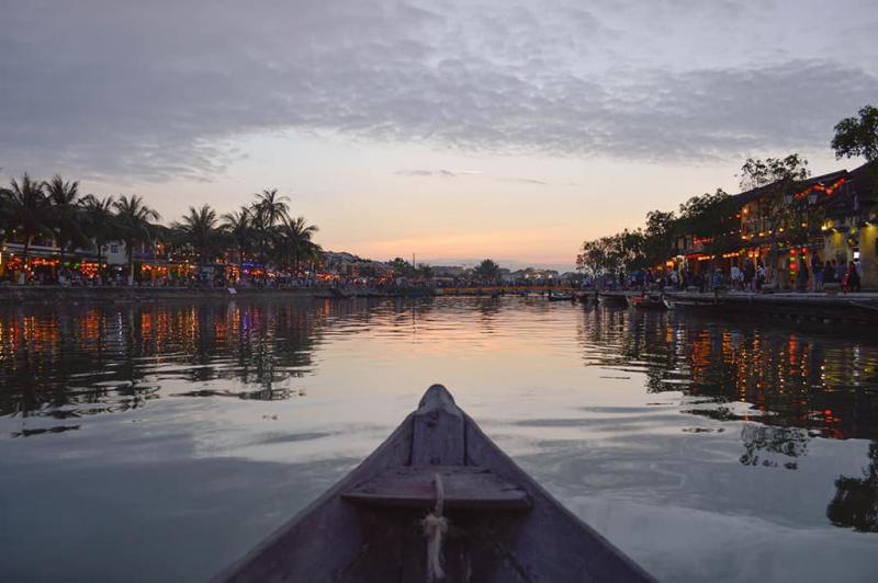 Hãy đến Sông Hoài lúc sáng sớm và chạng vạng tối bạn nhé