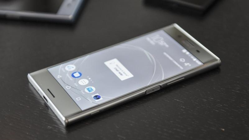 Sony Xperia XZ có thiết kế hiện đại, vuông vức
