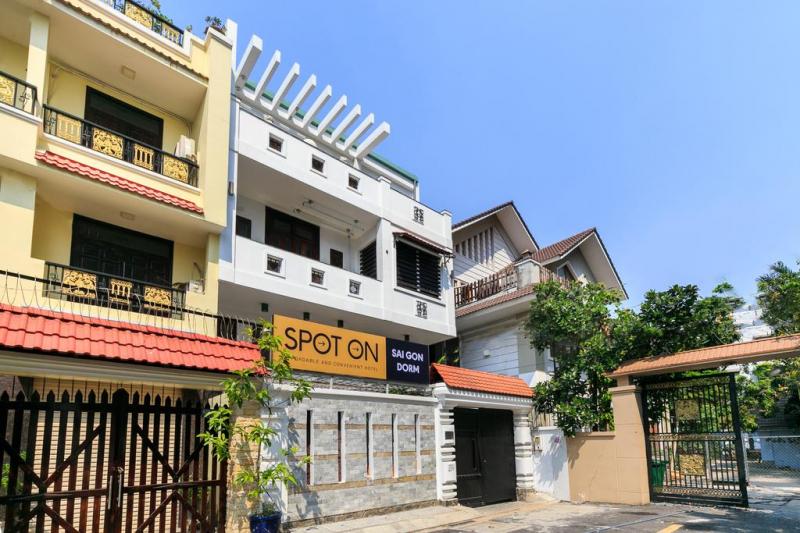 SPOT ON 695 Sài Gòn