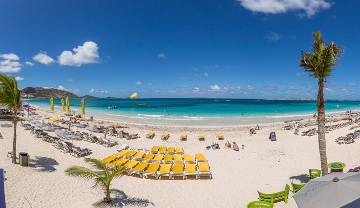 St. Martin - St. Maarten là một hòn đảo rất thú vị vì chịu sự quản lý của 2 chính quyền