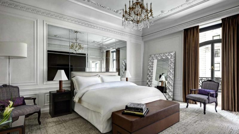 St. Regis New York là biểu tượng thu nhỏ của phong cách thời trang thời thượng tại New York