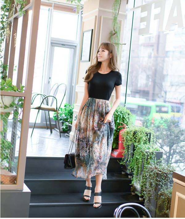 Một mẫu váy nữ tính của Star Love Shop