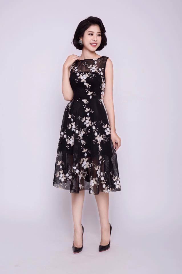 Một mẫu váy sang trọng khác của Star Love Shop