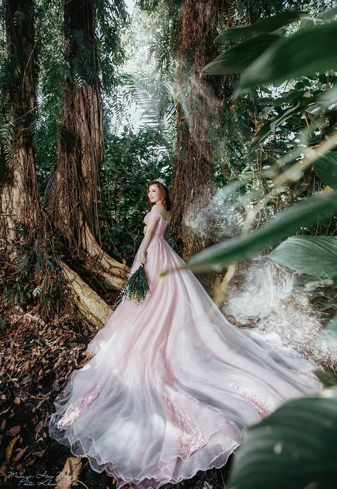 Váy cưới lộng lẫy tại Studio Bridal's Khang