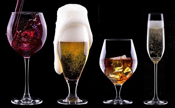 Sử dụng rượu champagne hoặc bia