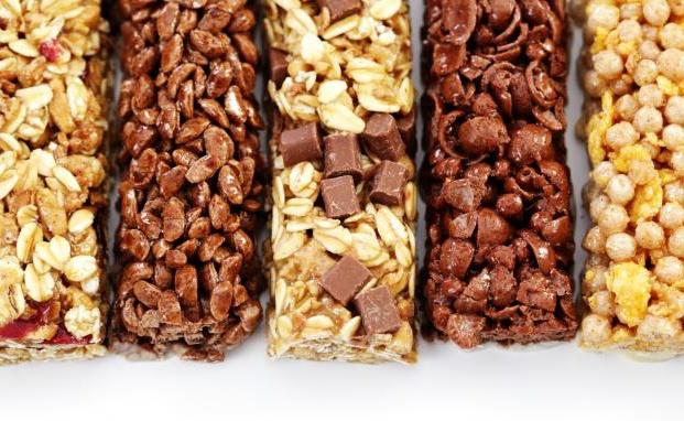 Sử dụng các thanh protein bar cho bữa ăn nhanh