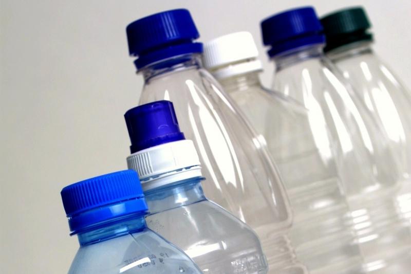 Sử dụng chai nhựa